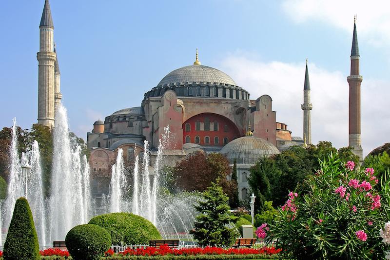 トルコのイスタンブールにあるハギア・ソフィア(写真:Dennis Jarvis)