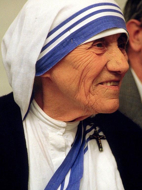 マザー・テレサ(写真:Túrelio、1986年に当時の西ドイツで撮影されたもの)