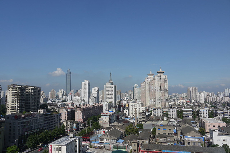 温州市の都市部(2012年)。市内にある教会の多さから「中国のエルサレム」とも呼ばれている。(写真:Pascal3012)
