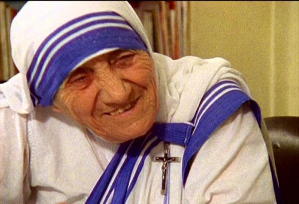 列聖記念「マザー・テレサ映画祭」 ゲストに音楽家・こいずみゆりさん マザーへの思いを歌でつづる