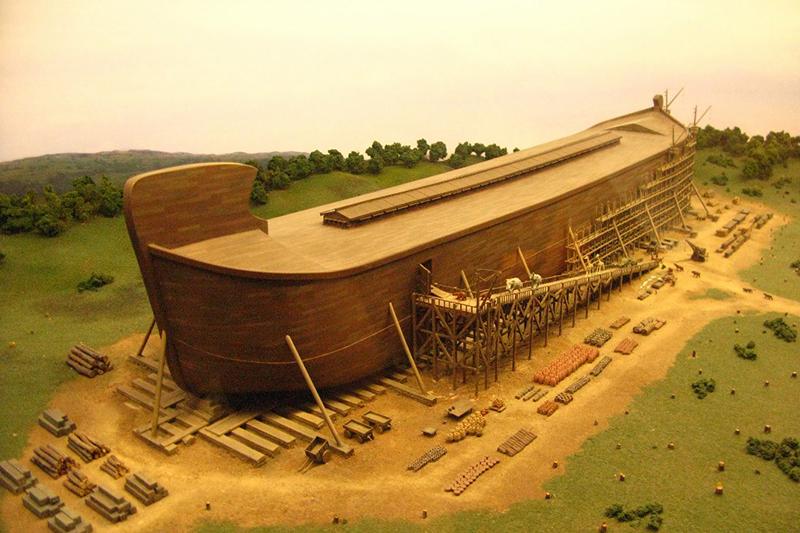 創造博物館(米ケンタッキー州)で展示されているノアの箱舟のレプリカ(写真:fritzmb)<br />
