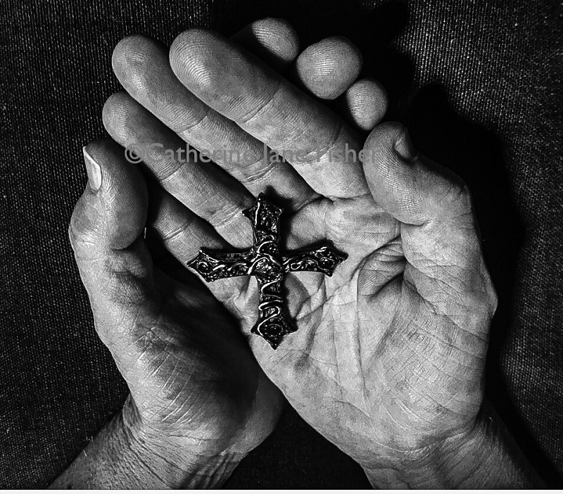 キャサリン・ジェーンさん、都内の教会でアート展「In Our Hands」開催へ