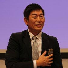 国際体操連盟(FIG)の第9代会長に選ばれた渡辺守成(もりなり)日本体操協会専務理事(57)(写真:FIGの公式ツイッターより)<br />