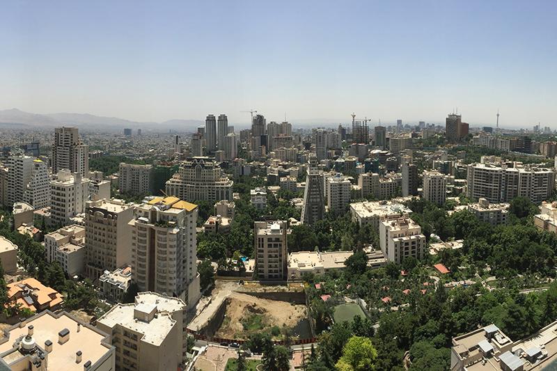 イランの首都テヘラン(写真:Saman Marzban)<br />