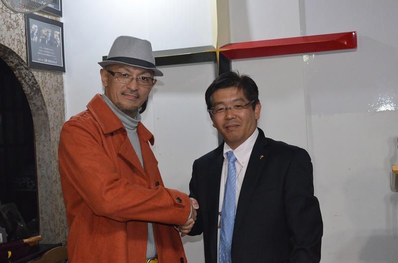 進藤龍也牧師(左)と五十嵐弘志氏。キリスト教界から、犯罪のない日本を訴える。