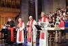 カトリックから見た福音派、「魅力的」だが首をかしげるところも