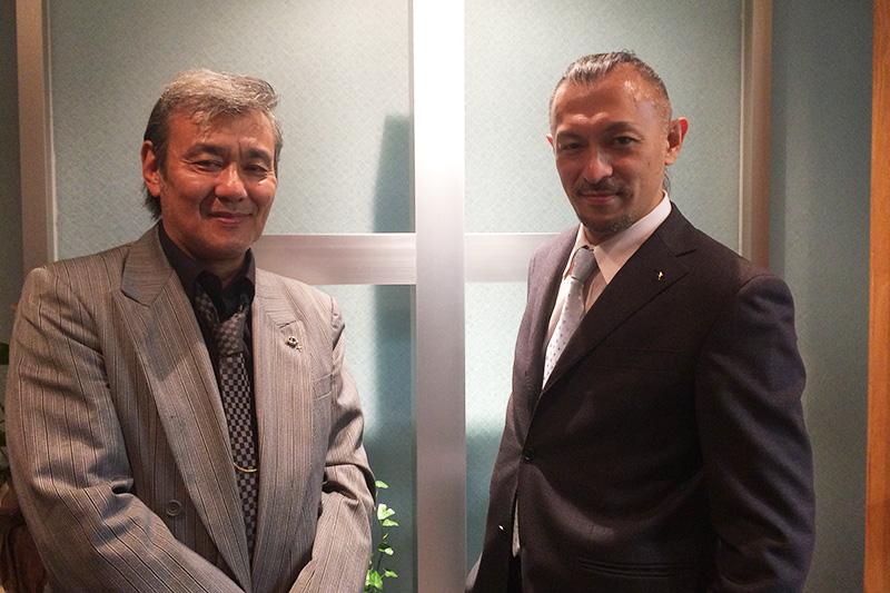 進藤龍也牧師(写真右)と小川一実さん。神の起こした奇跡が巡り合った。