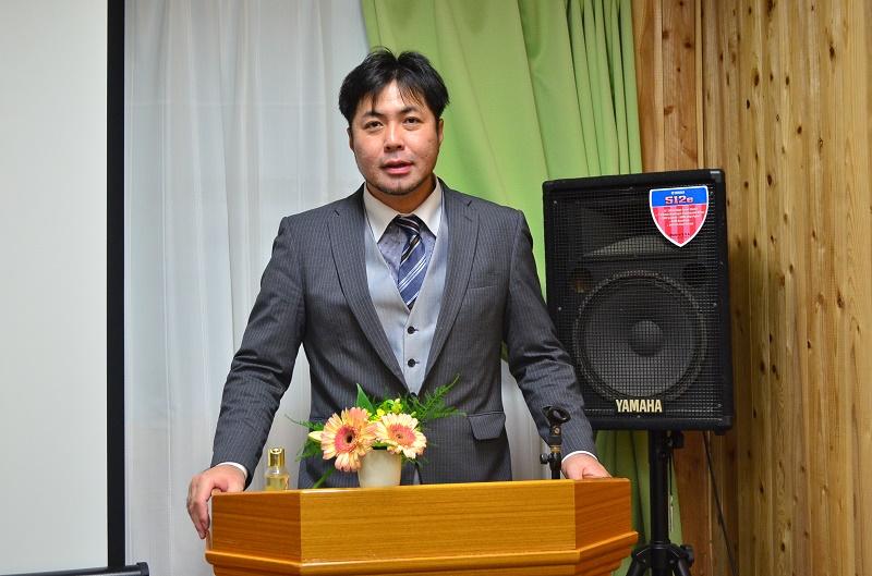 アドラムキリスト教会の野田詠氏牧師。暴走族にいたときの面影はどこにもない。神の愛に生き、教会の扉を叩く少年たちには、惜しみなく扉を開ける。