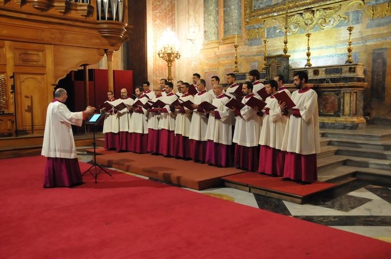 11日にローマでモスクワ・シノド聖歌隊とシスティーナ礼拝堂聖歌隊が出演した宗教音楽のコンサートの様子(写真:ロシア正教会)
