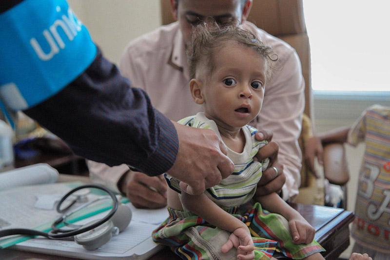 イエメンのサアダ州で医療支援を受ける子ども=2016年3月(写真:@UNICEFYemen)