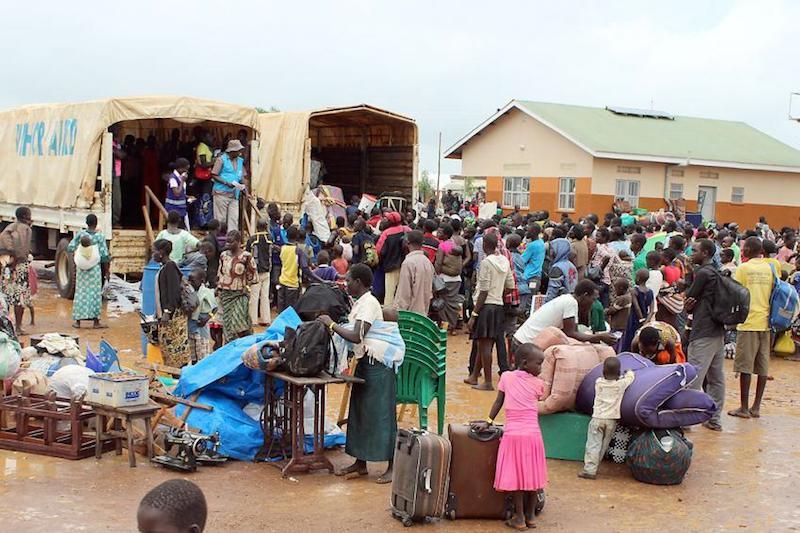 南スーダンとウガンダ北部の間の国境地帯でLWFが運営しているエレガウ受け入れセンターの難民たち(写真:LWF Uganda)