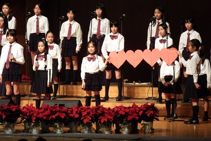 アグネス・チャンとエバーグリーン・クワイアーが愛のメッセージ 第24回所沢市民クリスマス
