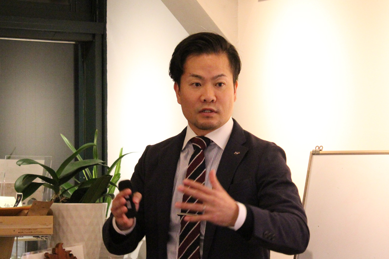 「ビジネスマップ戦略セミナー」で講師を務めたライフワークビジネス研究所所長でビジネス成長戦略アドバイザーの野田和裕氏=11月10日、カフェ・エクレシア銀座店(東京都中央区)で