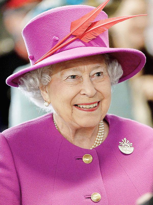 英国のエリザベス女王(写真:英国防省 / Joel Rouse)