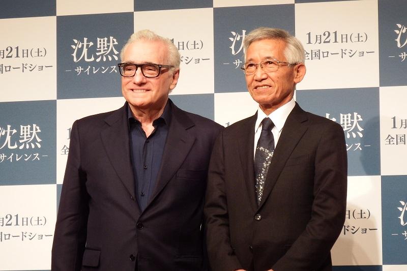 映画「沈黙-サイレンス-」の日本公開を記念し、昨年10月に続いて再来日を果たしたマーティン・スコセッシ監督(左)と、今も⻑崎で隠れキリシタンの伝統を受け継いでいる村上茂則さん=16日、東京都内で