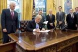 トランプ米大統領、中絶支援NGOへの助成禁止 プロライフの立場明確に