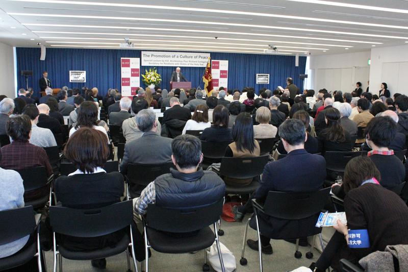 ギャラガー大司教 上智大で特別講演 200人が平和へのメッセージを分かち合う