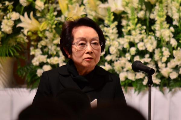「置かれた場所で咲く花に」 渡辺和子さん学園葬・お別れ会