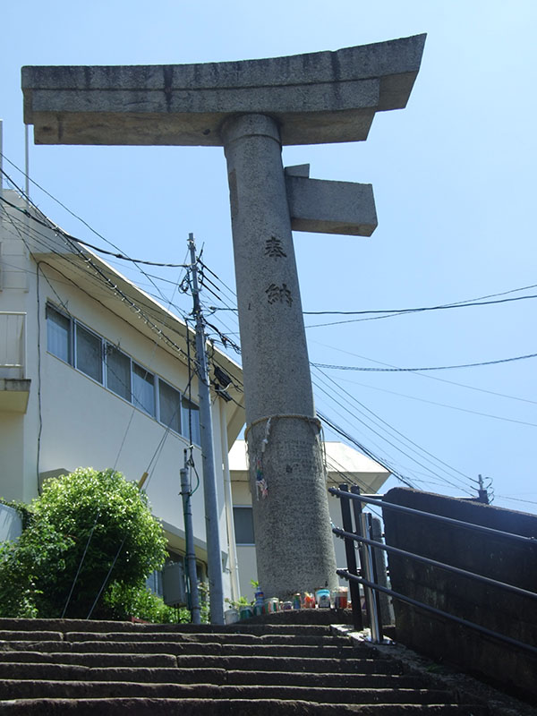 山王神社の一本柱鳥居