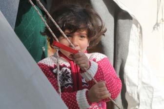 英、身寄りのない難民の子どもの受け入れ停止へ 教会指導者ら220人以上が取り消し要求