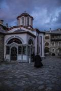 聖山アトス巡礼紀行―アトスの修道士と祈り―(22)イヴィロンの荒波 中西裕人