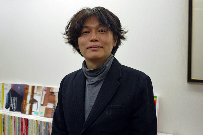 エクスナレッジ副社長でもある担当編集者の三輪浩之氏=21日、エクスナレッジ(東京都港区)で