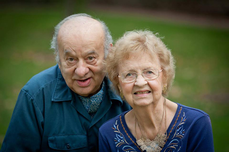 ケニー・ジョセフ氏(左)と妻のライラさん。