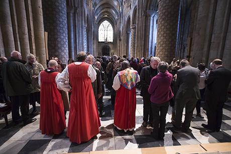 英国で宣教イベント「イエスを語る」 4日間で450カ所、主教25人も参加