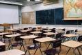 仏小学校教諭、聖書読み聞かせて停職に 米では児童が配った聖句が問題に