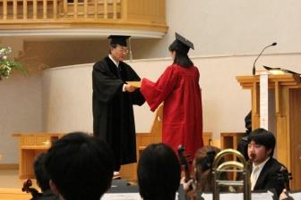 他者のために、かけがえのないあなたで 聖学院大で卒業式 428人が新たなステージへ