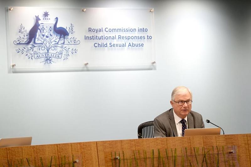 「児童性的虐待への機関の対応を調査する王立委員会」の議長を務めるピーター・マクレラン判事(写真:同委)