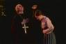 北朝鮮の反キリスト教宣伝映像か 子を殺す西洋人風神父の映像がネットに