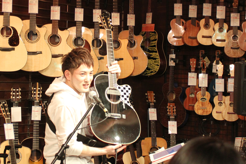 全曲賛美歌カバー 若手実力派プロギタリスト・井草聖二さん 4枚目のCD『Blessings -FingerStyle Gospel Guitar-』を発売