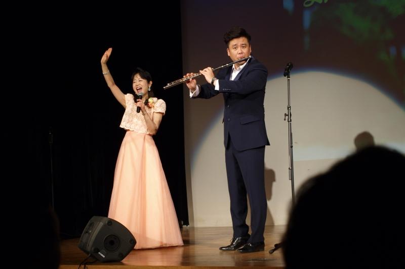 森祐理さんとソン・ソルナムさんによるコンサートは来場者に多くの感動を与えた=8日、常総市立生涯学習センター(茨城県常総市)で