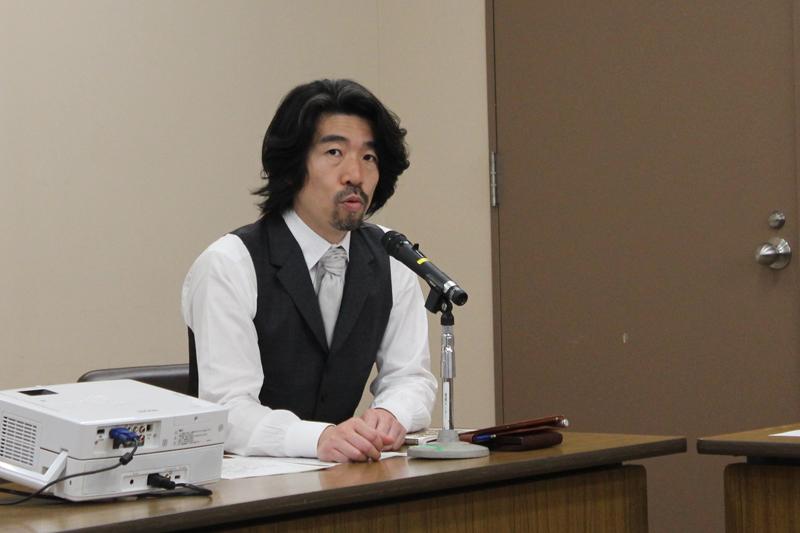 戦死者の上に軍事基地を作ることは冒とく 具志堅隆松さんが明治学院大で講演