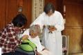 娘の手で102歳の洗礼式 「イエスを信じれば、あなたも家族も救われる」