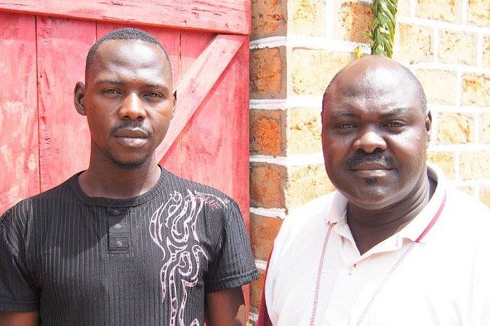 中央アフリカ福音同盟会長のニコラス・グエレコヤメ・グバンゴウ牧師のおい(左)と弟。5月初めに殺害された。(写真:ワールド・ウォッチ・モニター)