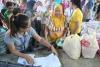 救援物資に聖書、フィリピンの大司教が配慮足りないと非難