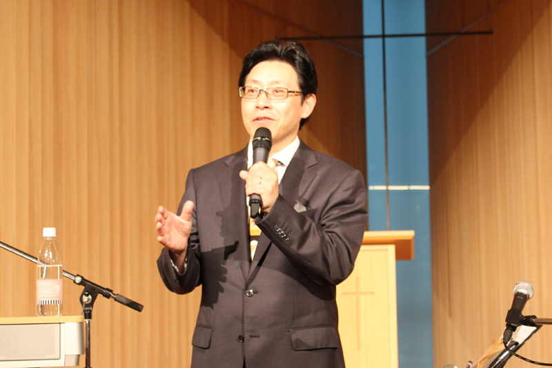 「ジーザス・ジューン・フェスティバル2017」で講師を務めた日本アッセンブリーズ・オブ・ゴッド教団草加神召キリスト教会の天野弘昌牧師=26日、21世紀キリスト教会広尾教会堂(東京都渋谷区)で