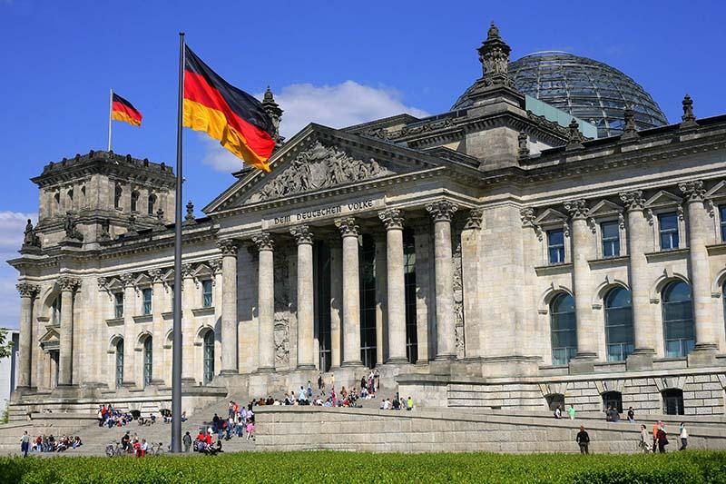 ドイツ連邦議会議事堂(写真:Cezary Piwowarski)