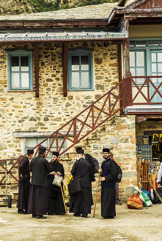 聖山アトス巡礼紀行―アトスの修道士と祈り―(31)4度目のアトス〜アトスの玄関口 ダフニ港 中西裕人