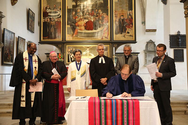 世界改革派教会共同体、宗教改革による分裂の修復を図る共同宣言に署名
