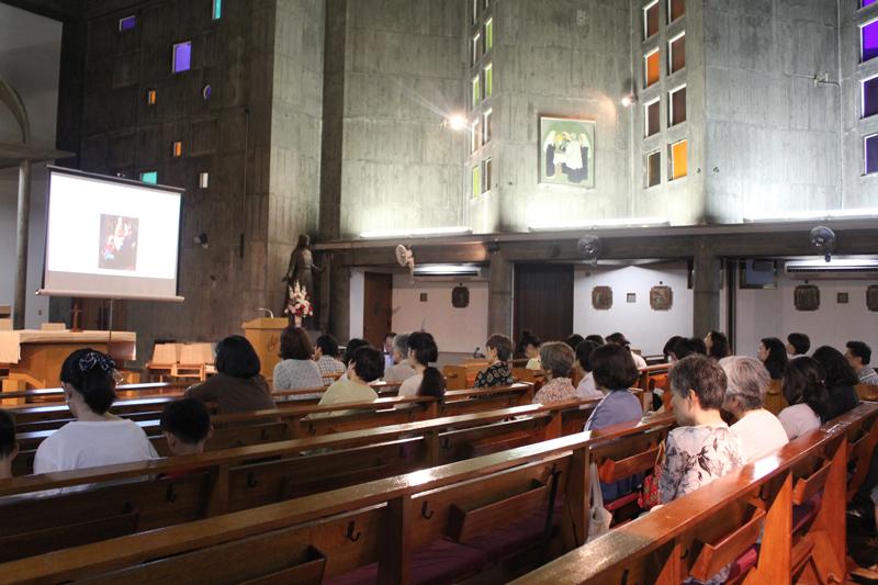 森耕治さん解説 チャリティー美術講演会「名画で見るイエスの生涯」カトリック豊島教会で開催