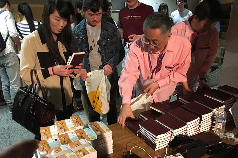 在日中国人への伝道、進行中! 千冊の中国語聖書を配布