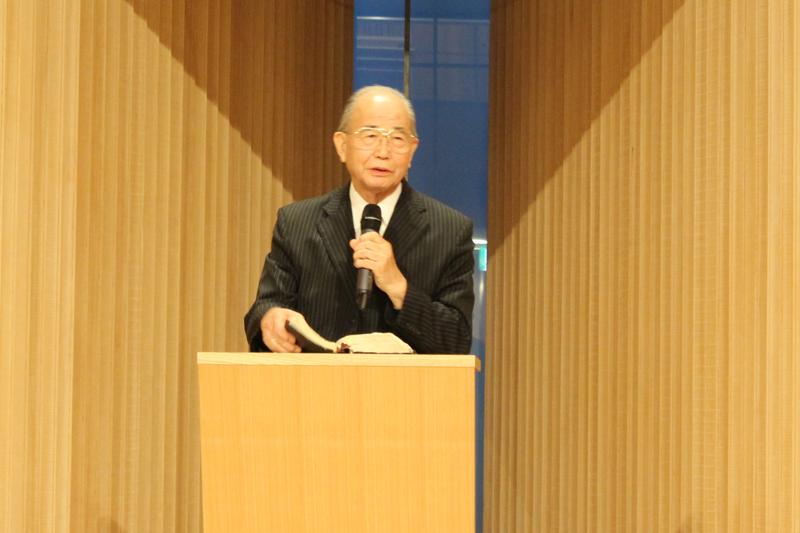 聖会実行委員長の奥山実氏。リバイバルのために日本の教会が神に悔い改めをすることを強く訴えた=1日、21世紀キリスト教会広尾チャペル(東京都渋谷区)で