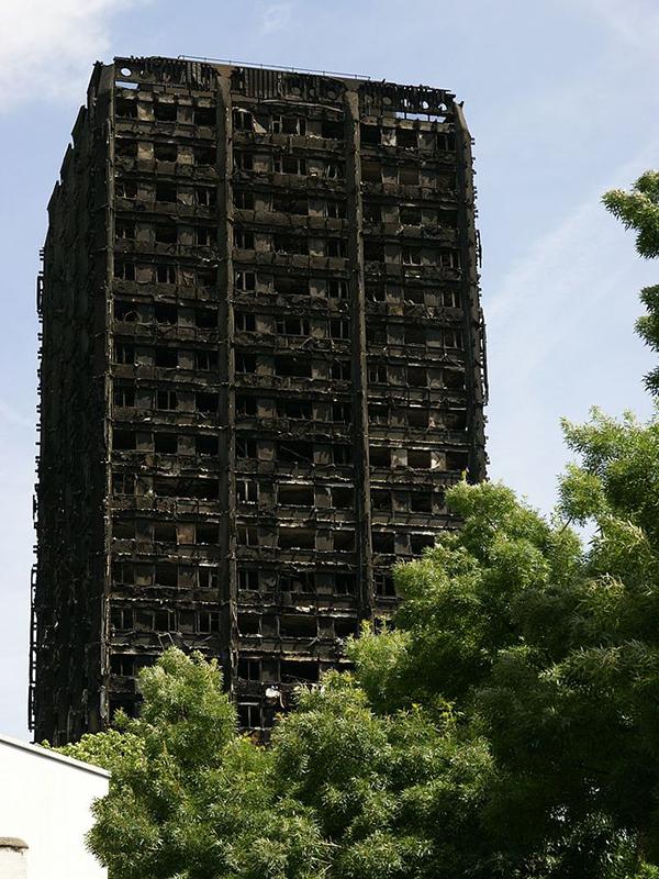 火災発生後のグレンフェル・タワー=6月16日(写真:ChiralJon)