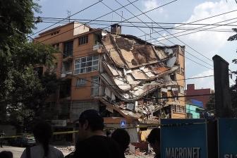 洗礼の喜びの場が悲劇の場に メキシコ地震、教会崩壊で乳児ら11人死亡