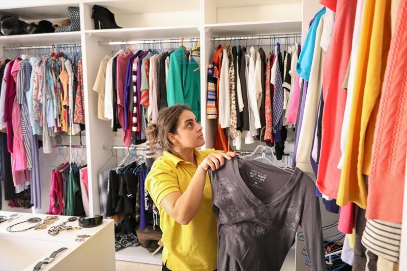 無料で配られたクーポン券と交換することで、難民たちは普通の人たちと同じように「買い物」をすることができる。衣料品店はオープン・ドアーズが現地のキリスト教徒たちと協力してオープンした。(写真:オープン・ドアーズ)