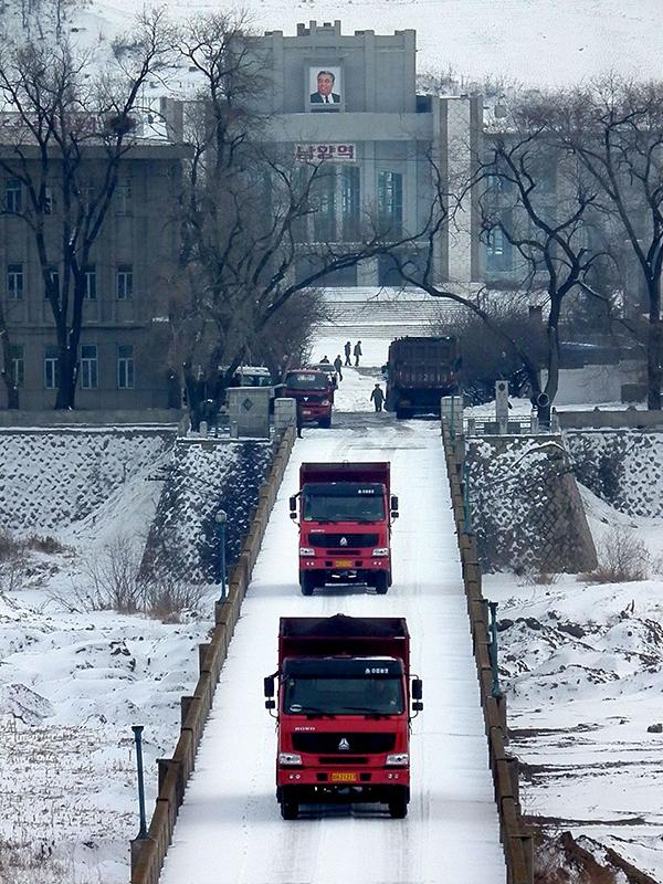 北朝鮮と中国の国境に架かる図們(ともん)国境大橋=2012年(写真:Tokino)
