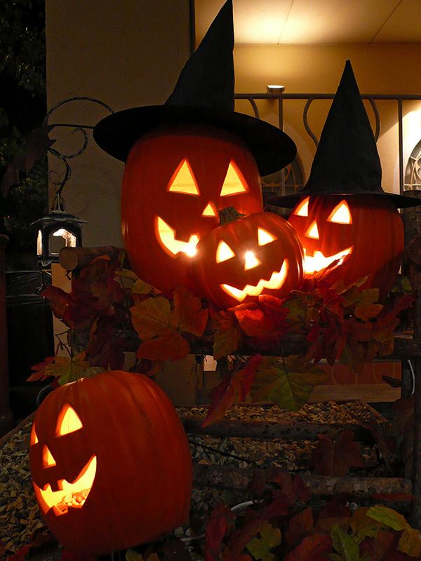 「ジャック・オー・ランタン」と呼ばれるカボチャをくり抜いて作ったランタン。ハロウィン定番の存在となっているが、異教的な要素があるため、注意も必要だという。(写真:663highland)